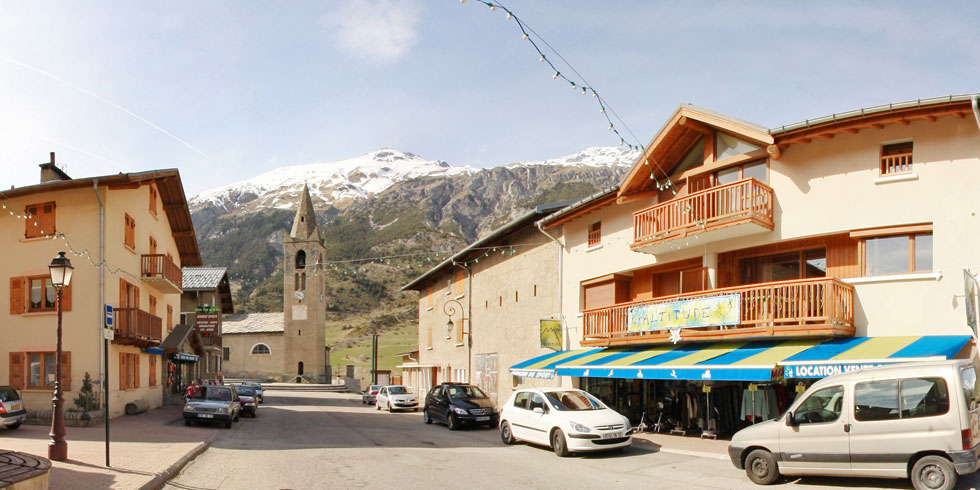 Location appartement ski val cenis Lanslevillard - facade altitude